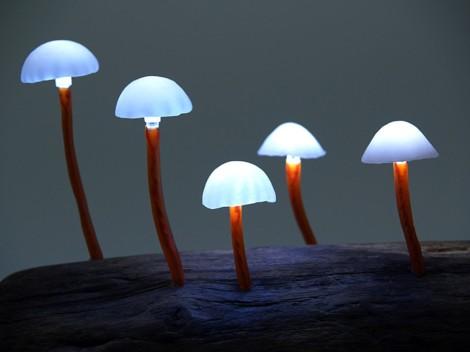 Mushroom-LED-lamp-Yukio-Takano-Great-Mushrooming-9-889x667